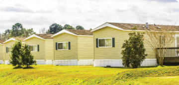 Row of manufactured homes in St. Louis that are eligible for CommunitySavers